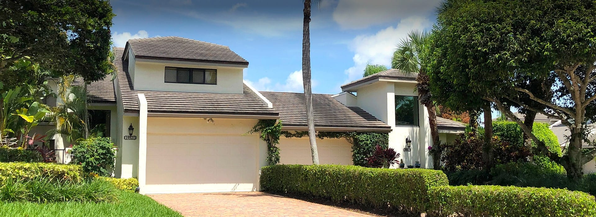 Boca West's Island Court attached villas