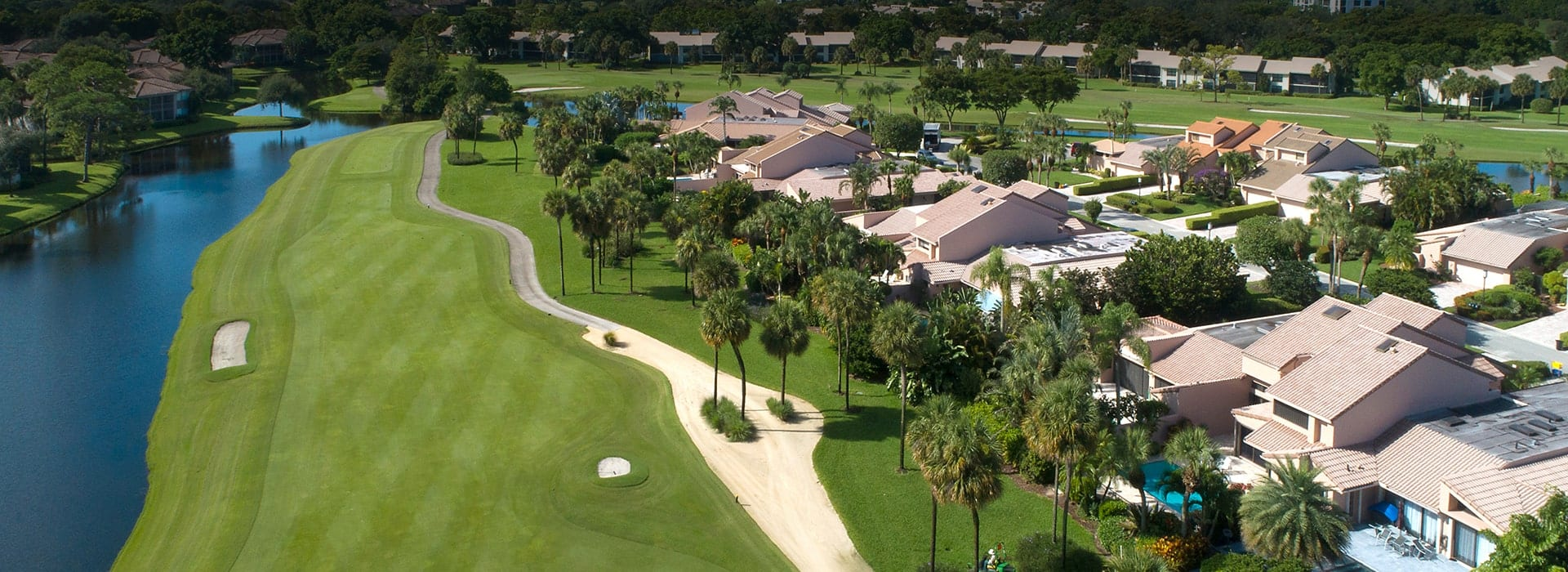Planters Point attached townhomes with private pools along the golf course